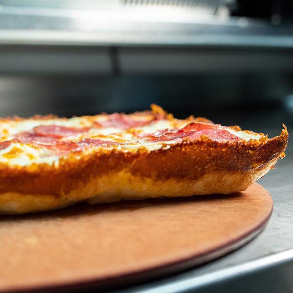blue-pan-pizza-2